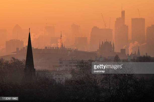 london dawn - air pollution stock pictures, royalty-free photos & images