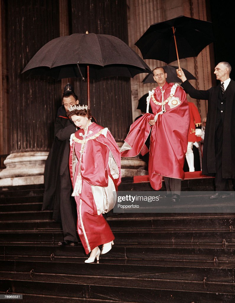 London, England. 20th May 1960. Queen Elizabeth II and Prince Philip, the Duke of Edinburgh, are pictured at St Pauls Cathedral attending a ceremony to open a new OBE's chapel. : News Photo