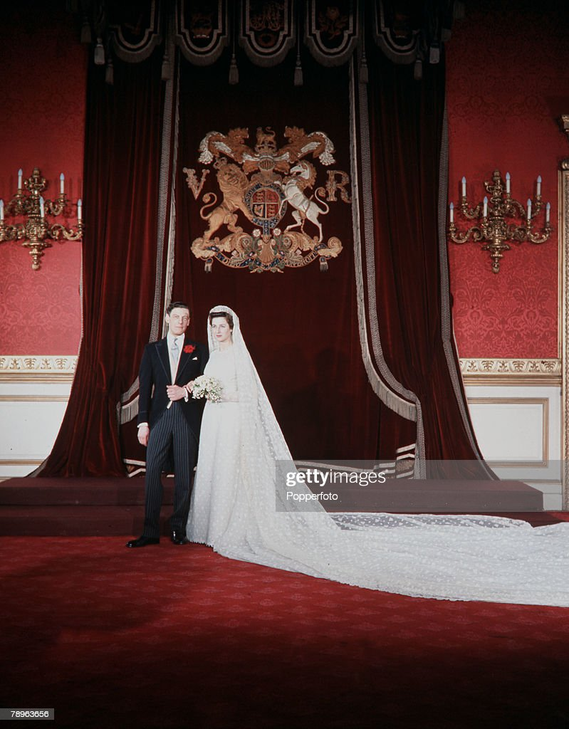London, England. 24th April 1963. Princess Alexandra and Angus Ogilvy are pictured on their wedding day. : News Photo