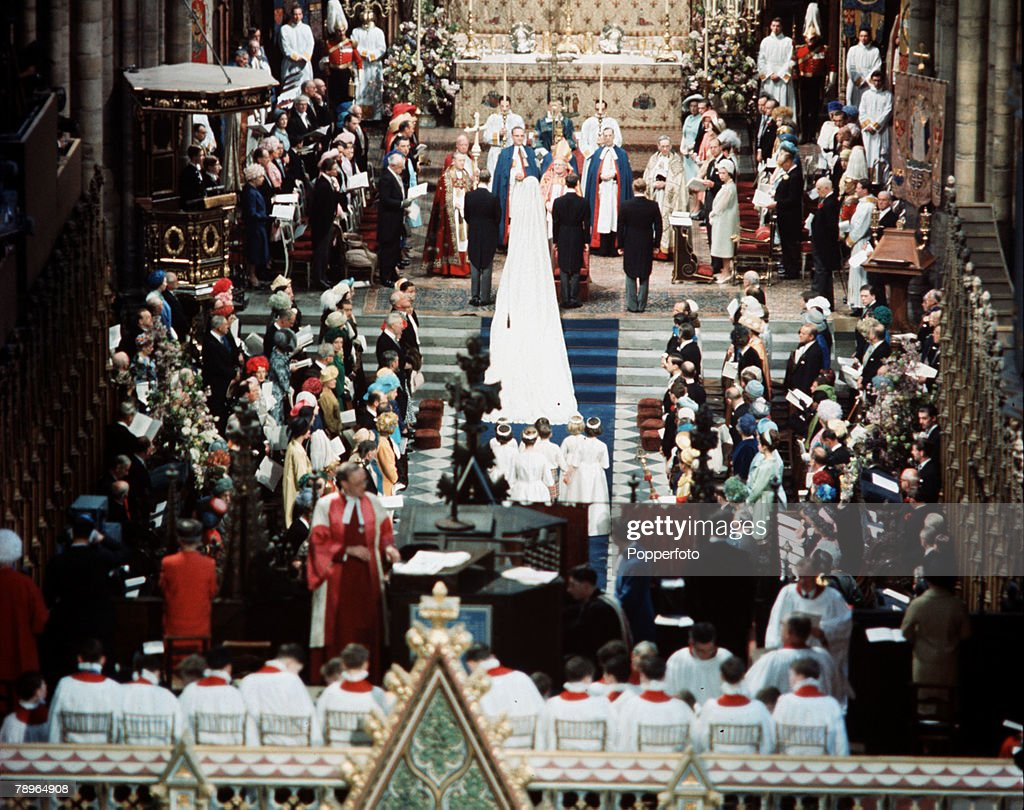 London, England. 24th April 1963. The wedding of Princess Alexandra and Angus Ogilvy. A general scene of the ceremony inside Westminster Abbey. : News Photo