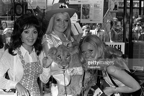 London England 9th September 1971 Former Miss World Eva Von RueberStaier of Austria with British pop singers Susan Maughan and Clodah Rogers pictured...