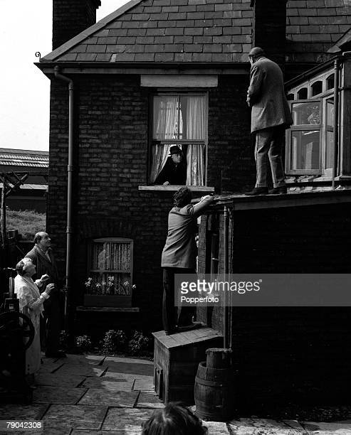 London England A scene from the Ealing comedy film The Ladykillers Pictured are LR Katie Johnson Danny Green Herbert Lom Peter Sellers and Cecil...