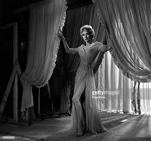 London, England Actress Carole Lesley is pictured posing at a portrait studio
