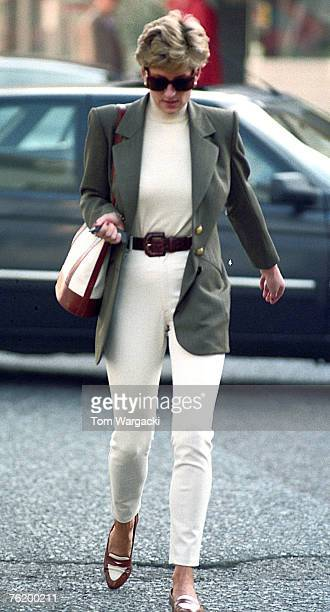 London England October 151994 Princess Diana shopping in Knightsbridge