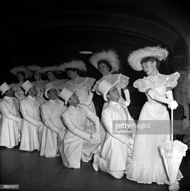 London England Royal Command Performance Rehearsal Various actors and actresses line up together LR Glynis Johns Margaret Lockwood Bebe Daniels...