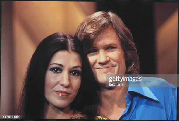 Singer Kris Kristofferson and wife Rita Coolidge pose together