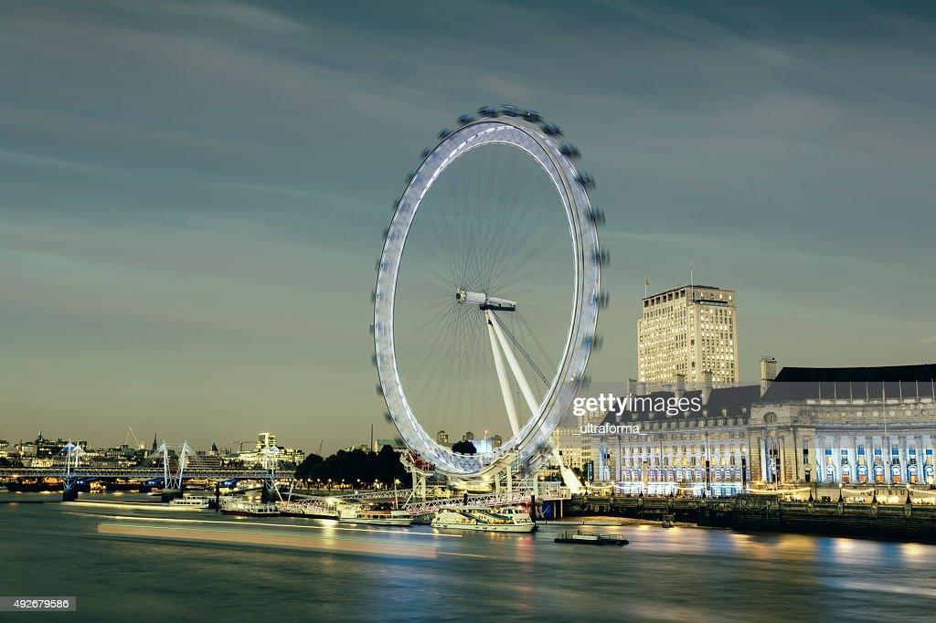 London Eye and Jubilee Gardens at dusk : Stock Photo