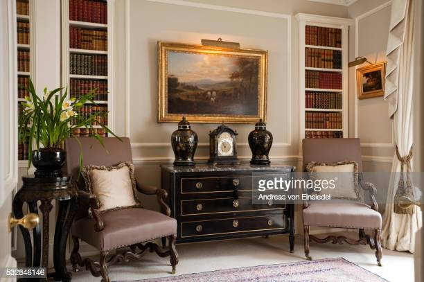 London home of Britsh interior designer Jennie Elias