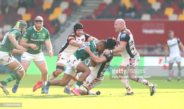 London Irish's Ben Loader comes up against Leicester Tigers's Harry Wells, Dan Cole and Marco van Staden during the Gallagher Premiership Rugby match...