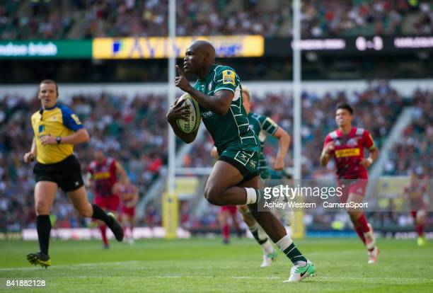 London Irish's Topsy Ojo scores his sides first try during the Aviva Premiership match between London Irish and Harlequins at Twickenham Stadium on...