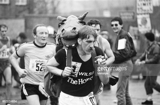 London Marathon 1981 Sponsored by Gillette Sunday 29th March 1981 wilson The Horse