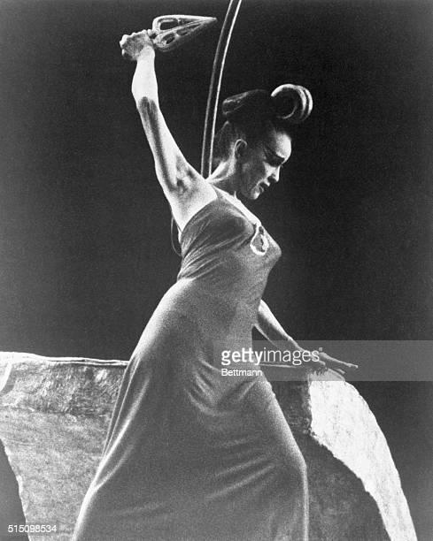 Martha Graham dancer as Clytemnestra in The Legend of Judith