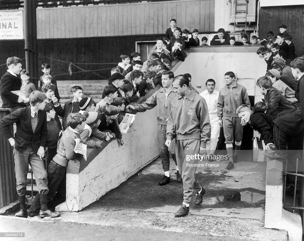 The Real Training In London In 1962 : News Photo