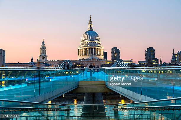 london millennium footbridge and st. paul's cathed - christianity stock pictures, royalty-free photos & images