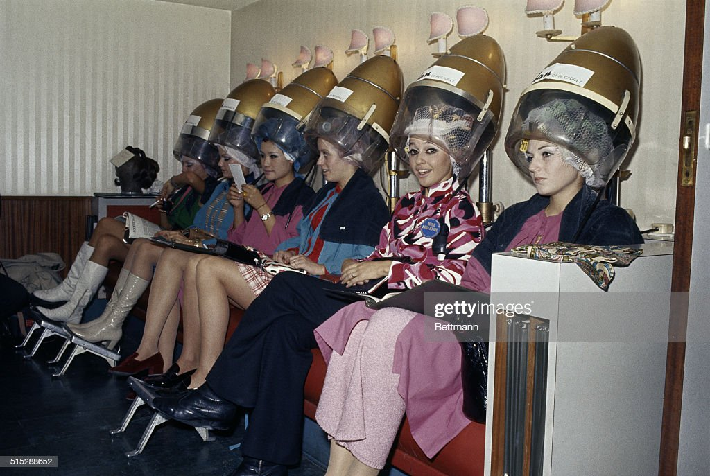 Gracielo Marino and Others Getting Their Hair Done Pictures | Getty ...