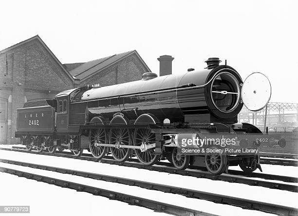 London North Eastern Railway 'Raven Pacific' A2 class 462 steam locomotive No 2402 'City of York' LNER official photograph