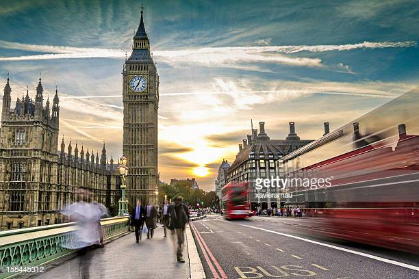 london on the move - international landmark stock pictures, royalty-free photos & images