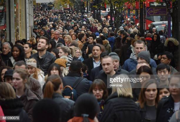 london oxford street - crowd of people stock pictures, royalty-free photos & images