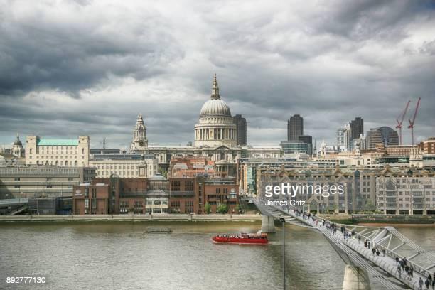 london - セントポール大聖堂 ストックフォトと画像