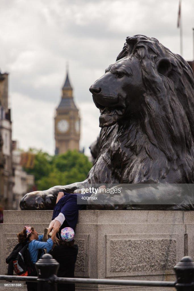 Trafalgar Square : Graffiti et art urbain | GetYourGuide