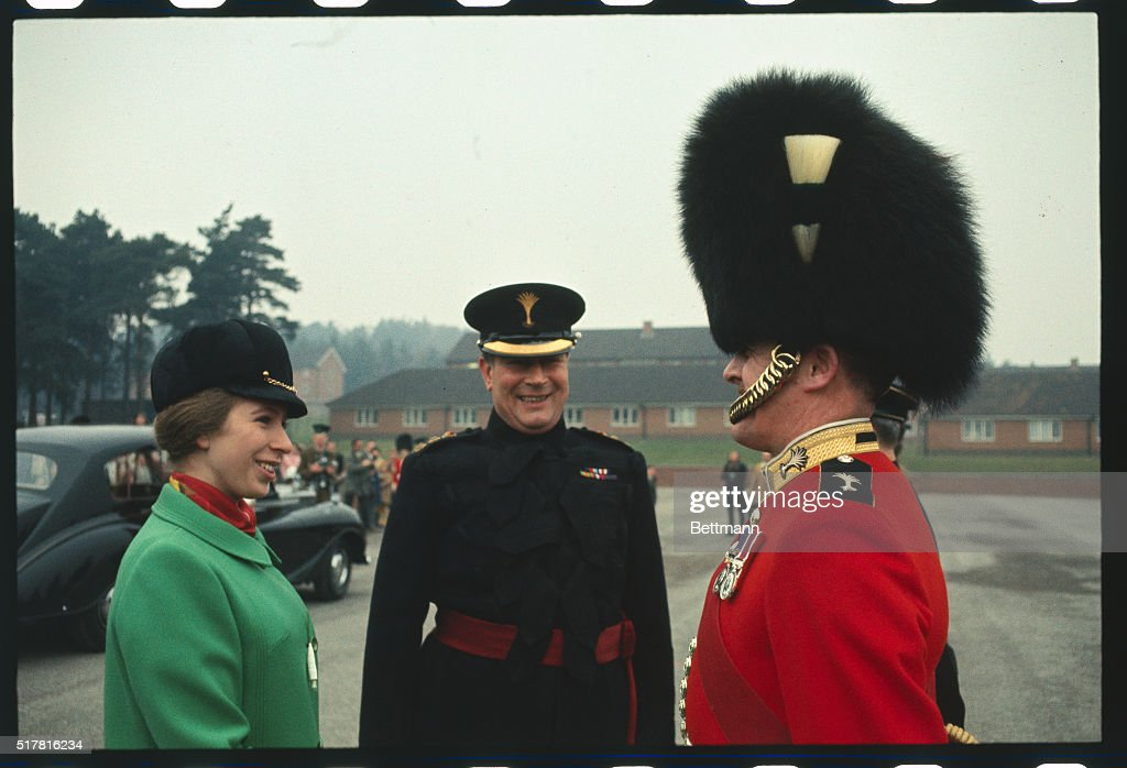 Princess Anne Talking with Welsh Guard : News Photo