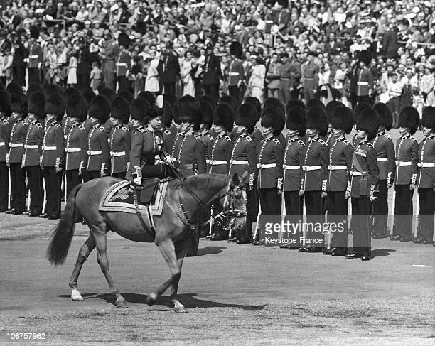 London Queen Elizabeth Ii Inspects A Detachment Of Goldstream Guards During The Trooping The Colours Parade In May 1956