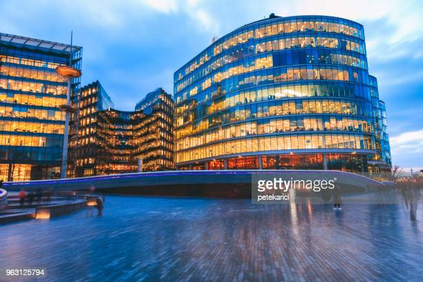 london riverbank - 2018 stock pictures, royalty-free photos & images