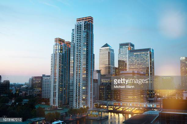 london skyline - canary wharf stock photos and pictures