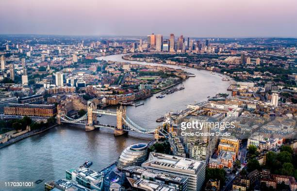 skyline von london - london england stock-fotos und bilder