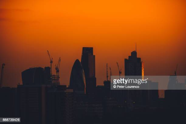 london skyline silhouette - peter lourenco ストックフォトと画像