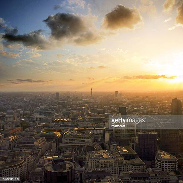 london skyline sunset, england, uk - mattscutt stock pictures, royalty-free photos & images