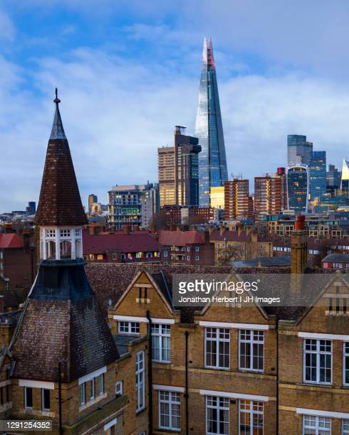 london skyline with the shard - residential district stock pictures, royalty-free photos & images