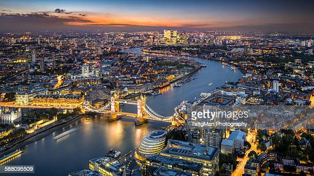 london skyline with tower bridge at twilight - river thames stock pictures, royalty-free photos & images