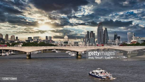 london skyline with view over the thames - andy rinkoff stock pictures, royalty-free photos & images