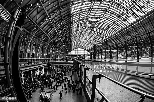 london st pancras - キングスクロス駅 ストックフォトと画像