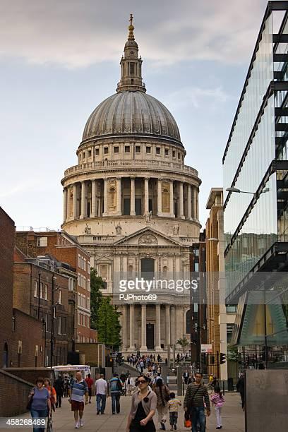 London-St. Paul's Cathedral, von der Millennium Bridge