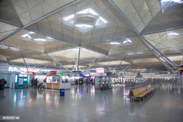 London Stansted Airport international airport, an airport with more than 25.000.000 passengers in 2017 that is serving mainly the city of London and...