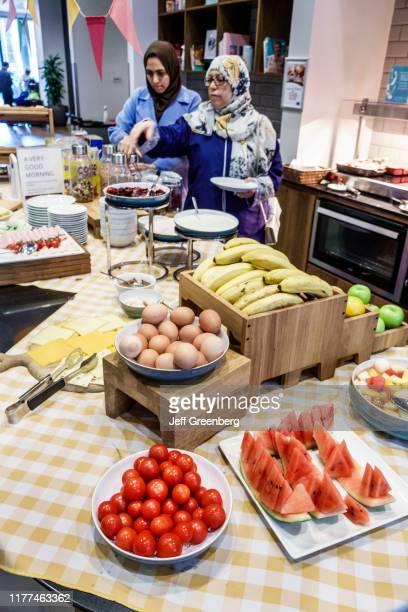 London Staybridge Suites hotel breakfast buffet