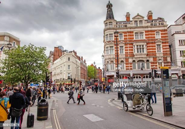 londen straten - londen stadgebied stockfoto's en -beelden