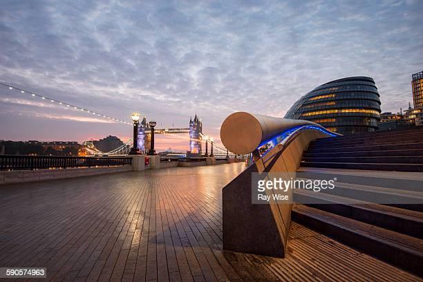 london sunrise - tower bridge foto e immagini stock