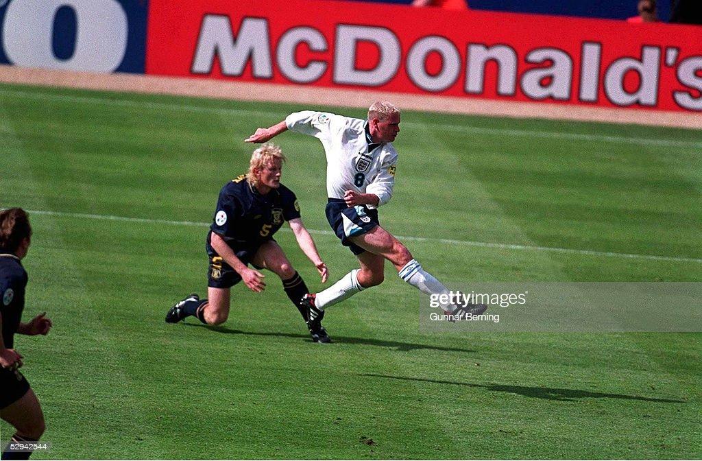 FUSSBALL: EURO 1996 SCO : News Photo