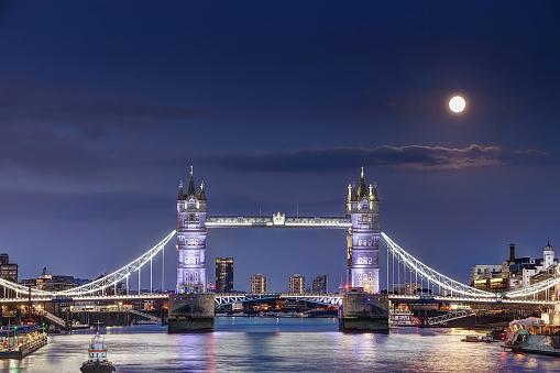 London Tower Bridge at night with full moon - gettyimageskorea