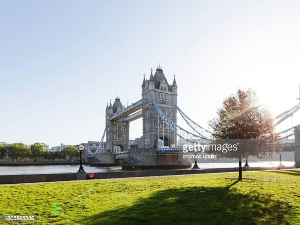 london tower bridge at sunrise - international landmark stock pictures, royalty-free photos & images