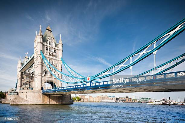 london tower bridge in summer - mlenny photography stock pictures, royalty-free photos & images