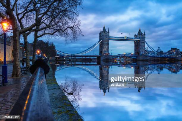 london tower bridge, night, uk - monument stock pictures, royalty-free photos & images