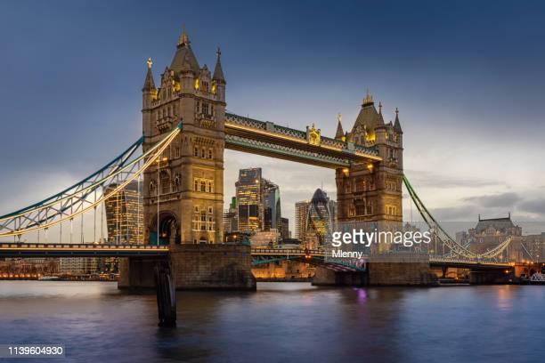 london tower bridge twilight united kingdom - london bridge england stock pictures, royalty-free photos & images