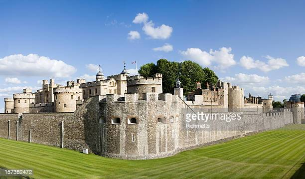 london. tower of london - tower of london stock pictures, royalty-free photos & images