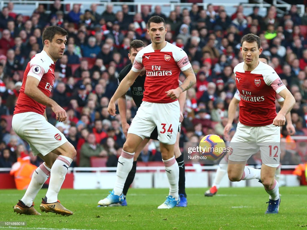 Arsenal FC v Burnley FC - Premier League : News Photo