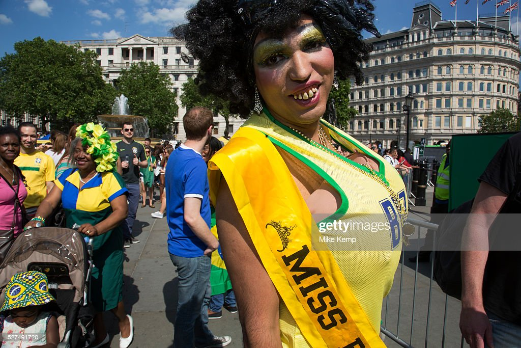 UK - London - Brazilians gather for Brazil Day celebrations to mark the beginning of the Brazil 2014 : News Photo