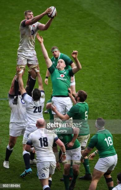 London United Kingdom 17 March 2018 George Kruis of England wins a lineout ahead of Devin Toner of Ireland during the NatWest Six Nations Rugby...